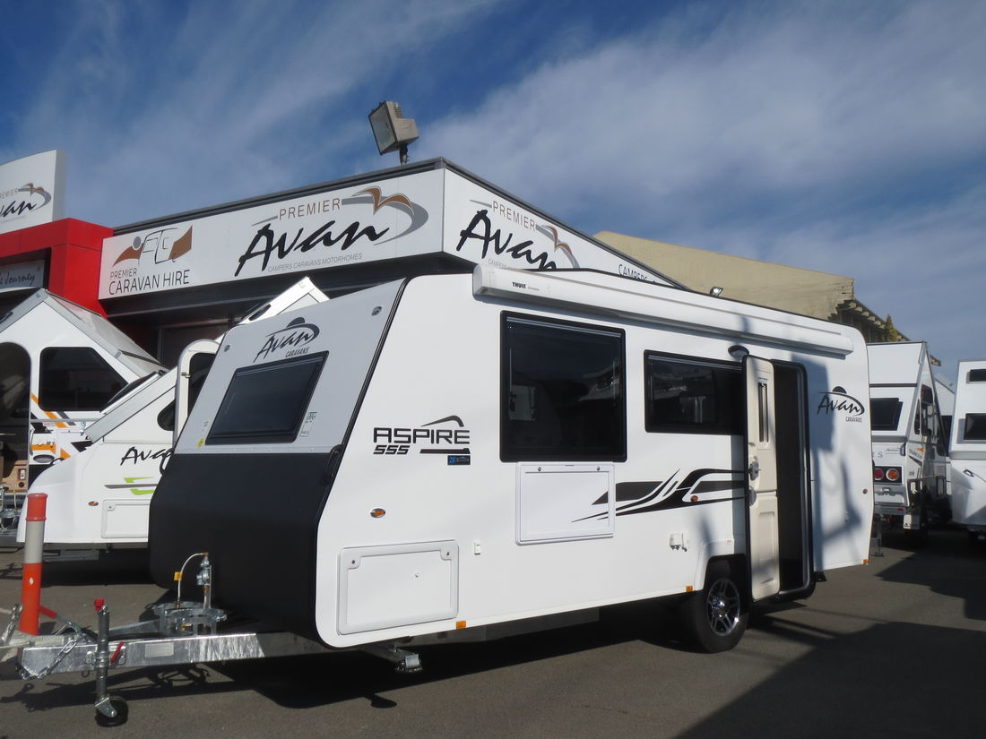 2018 Avan Aspire 555 En suite Rear Door