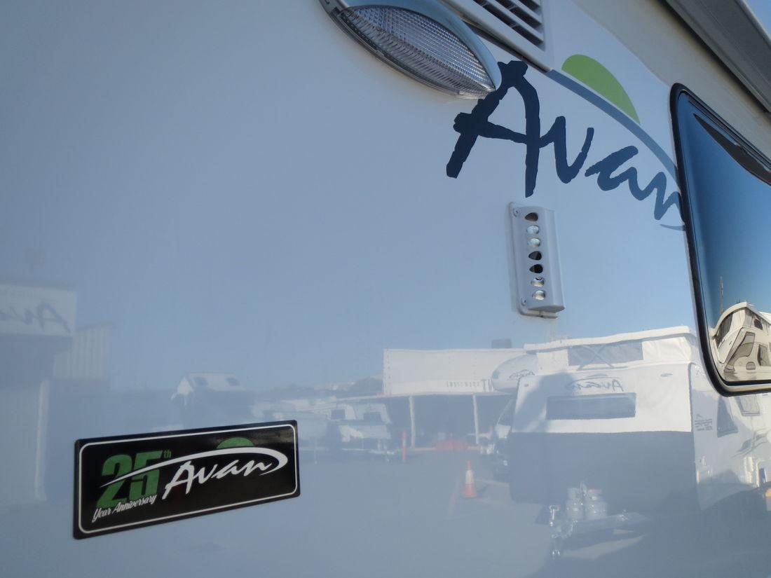 2019 Avan Ovation M7 Slide out Luxury Ensuite N1401