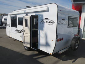 2018 Avan Aspire 555 En suite Rear Door