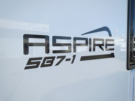 2018 Avan Aspire 587 1 Touring En suite HT N1368