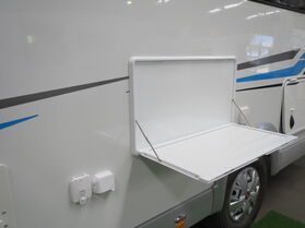 2020 Avan Ovation M10 Luxury Motorhome N1654