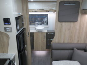 2021 Avan Frances Touring Luxury Ensuite N1741