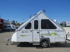 2081 Avan Cruiseliner 1D Touring Morado