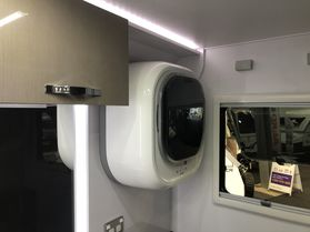 2018 Avan Infinity 609 Slide out Full En suite